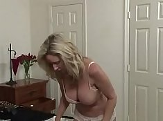 Carmen Valentiny, Shay Fox, Bae Hunter fuck the her mother and play
