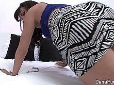 Stepmom Santas Sweet Ass satisfies her wet Megan Fox Dana DeArmond